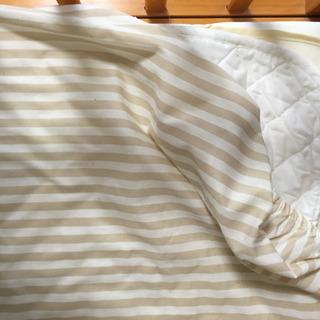 ベビーベッド用の布団一式