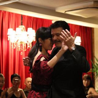 アルゼンチン タンゴ ダンスは美しい心と心を繋ぐ