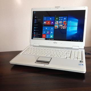 18 液晶綺麗✨大画面 ホワイト白FUJITSUノートパソコン本体...