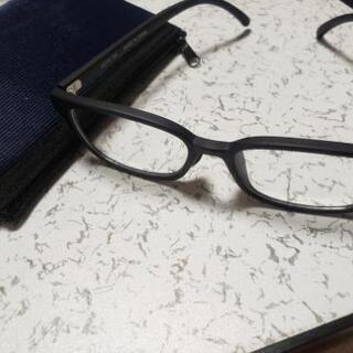 UNIQLOの黒淵メガネ