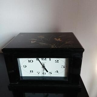 小物が入る時計