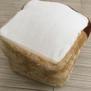 座布団クッション食パン