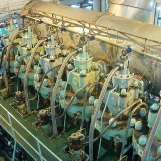 🌟 船舶用エンジン組立、分解作業
