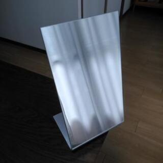IKEA 卓上鏡 の画像