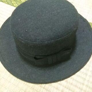 女性用鍔付き帽子