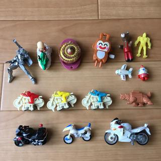 バイク、ドラゴンボール、ガンダム、飛行機など