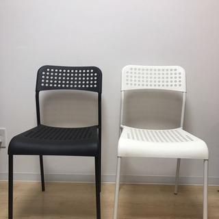 【無料】IKEAの白黒チェア(お引取先決定しました!)