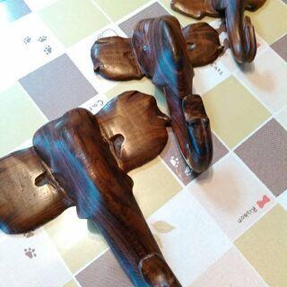 【アジアン】海外製像の木彫りハンガー兼飾り
