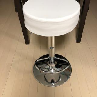 【新品未使用】回転昇降カウンター椅子の画像