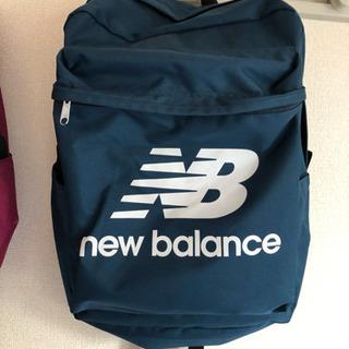 NewBalance リュック 色ブルー
