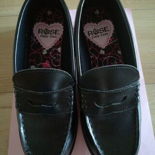女の子用靴23.0黒(値下げ)