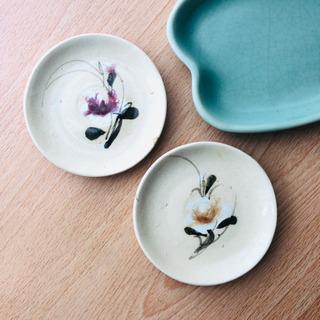 ベトナム食器 手描きの素朴な小皿 2枚