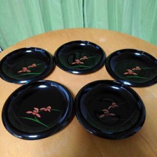 黒塗りのお皿