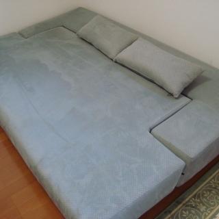 大きなソファベッド 幅122×長さ197高さ34センチ位 下見可...
