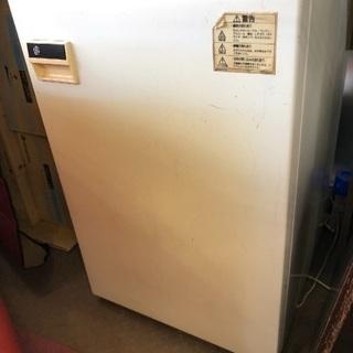 完動‼︎1ドアの冷凍庫です。