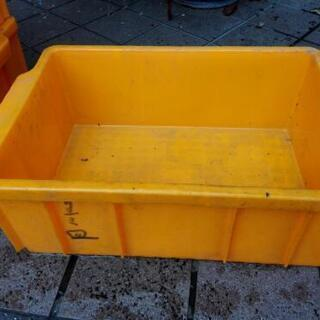 ¥500*  プラスチックケース 五個セット 黄色い❗