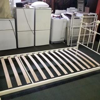 [ウッドスプリング/オフホワイト鉄枠ベッド]⁑リサイクルショップヘルプ