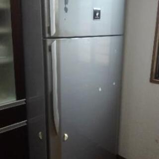 555リットル冷蔵庫