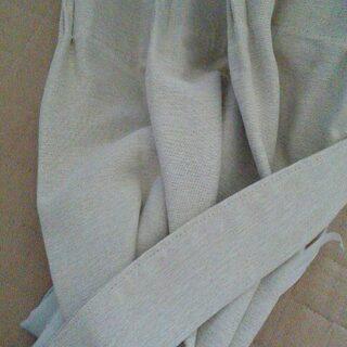 〈値下げしました〉アイボリー 遮光、遮熱、防炎カーテン(未使用品...