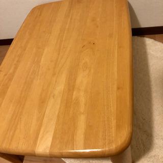 丈夫な折りたたみ式テーブル
