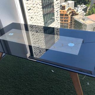 無垢材×ガラスのコーヒーテーブル