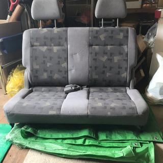 車のイス /サードシート