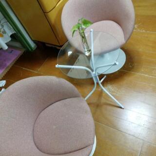 オシャレガラステーブルと椅子2脚セット