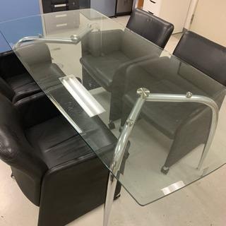 ガラス板の応接セット!椅子はOkamuraです!