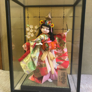 【あげます】高級日本人形、コンパクト市松人形、ガラスケース有