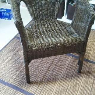 夏らしく 涼しい 藤の椅子 いかがですか?