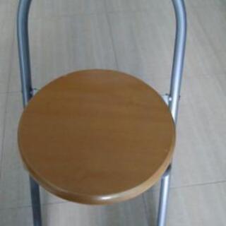 折り畳み椅子 *難あり 取りにこれる方にさしあげます