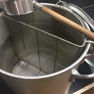 寸胴鍋 スープ網、蓋付き 径39cm高さ40cm