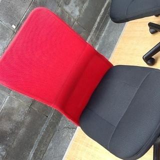 【4脚限り】オフィスチェア・デスクチェア・事務椅子 肘なし 快適メッシュ(情熱の赤) おすすめ品 配達も可です - 家具