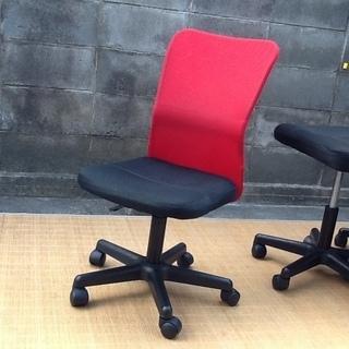 【4脚限り】オフィスチェア・デスクチェア・事務椅子 肘なし 快適メッシュ(情熱の赤) おすすめ品 配達も可です − 京都府