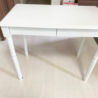 【高さ調節可能・収納付き】テーブル