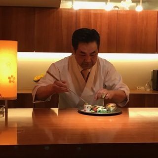 心斎橋駅から徒歩5分 時給1300円 10年続く高級和食店でホー...