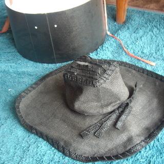 未使用・帽子(ケースはおまけで)