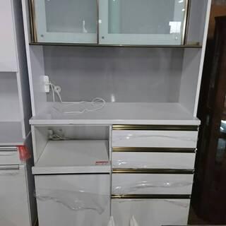通常20万円の食器棚を39800円で販売します!ちょいキズあり!...