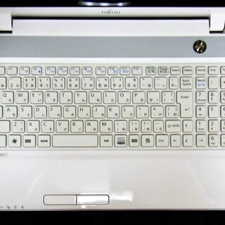 💗良上品/15.6型/高性能🆙Core i5/光速☆彡大容量!新品✨SSD480GB/快適♬メモリ8GB/HDMI📺/MS Offce2016📒✎/すぐ使えるWindows10♪リカバリーメディア付📀/すぐ繋がるWi-Hi📶/DVDコピー可💿/WEBカメラ📹/内臓マイク🎤/10キー付きKB/新品✨バッテリー/点検整備清掃済み😊/FUJITSU LIFEBOOK ホワイト - パソコン