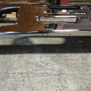 いすゞ新型ギガ28年バンパー