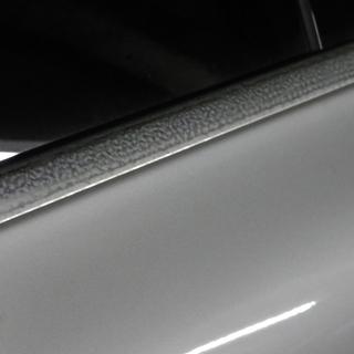 欧州車のアルミウインドモールの雨染みを綺麗にしませんか