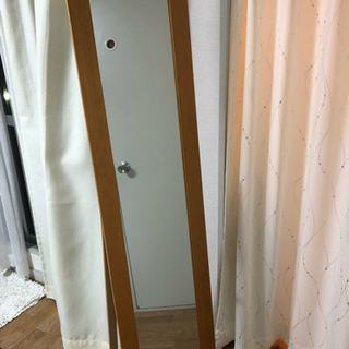 便利な立て掛けの鏡