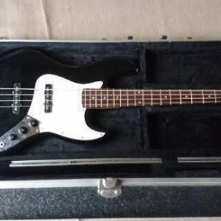 ベースギター(ハードケース付)