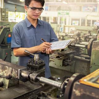 【簡単流れ作業✨】倉庫内自動車製造