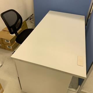 事務机と椅子のセット!