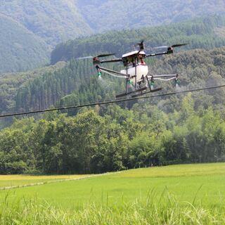 ドローンによる農業散布、顆粒散布、除草作業