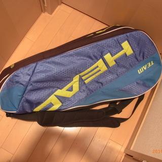 テニスバッグとラケット