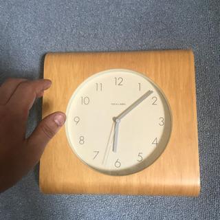 IDEAのおしゃれなデザイン木の掛け時計