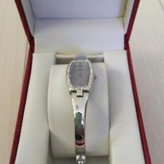 アン·クライン腕時計(未使用)