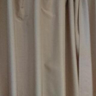 美品カーテン(遮光1級)沢山あります。